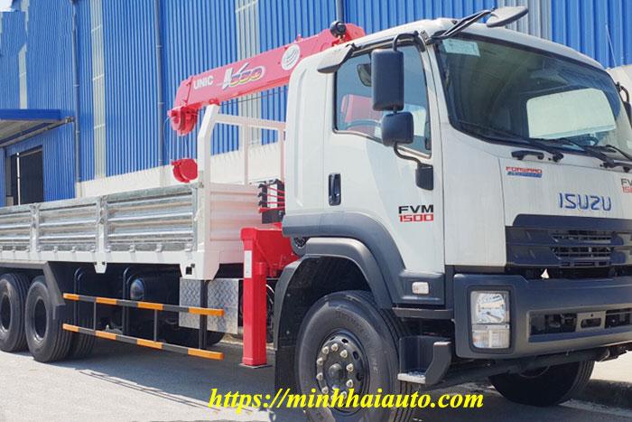 xe tải isuzu 3 chân gắn cẩu unic 5 tấn