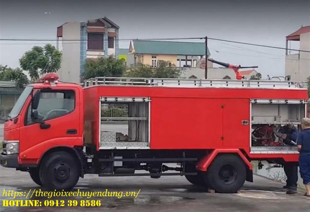 xe cứu hỏa chữa cháy hino
