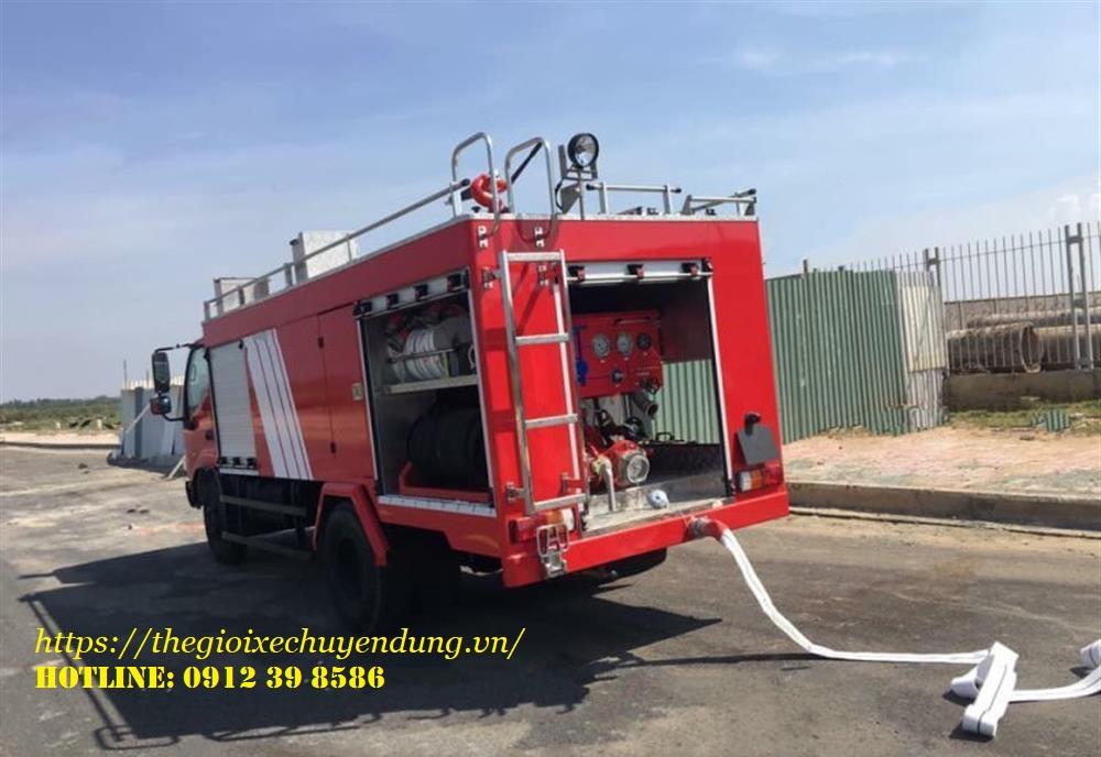 xe cứu hỏa chữa cháy 2.6 khối hino