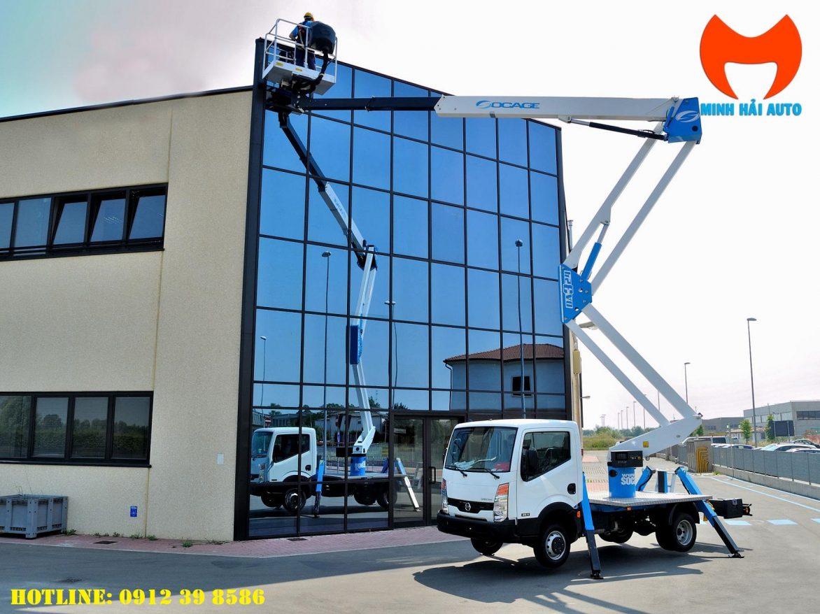 xe thang nâng người 24m Isuzu socage làm việc trên cao
