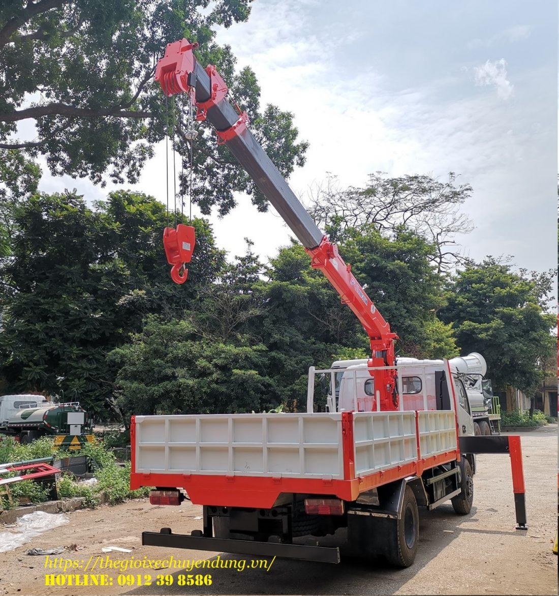 xe tải gắn cẩu 3 tấn kanglim
