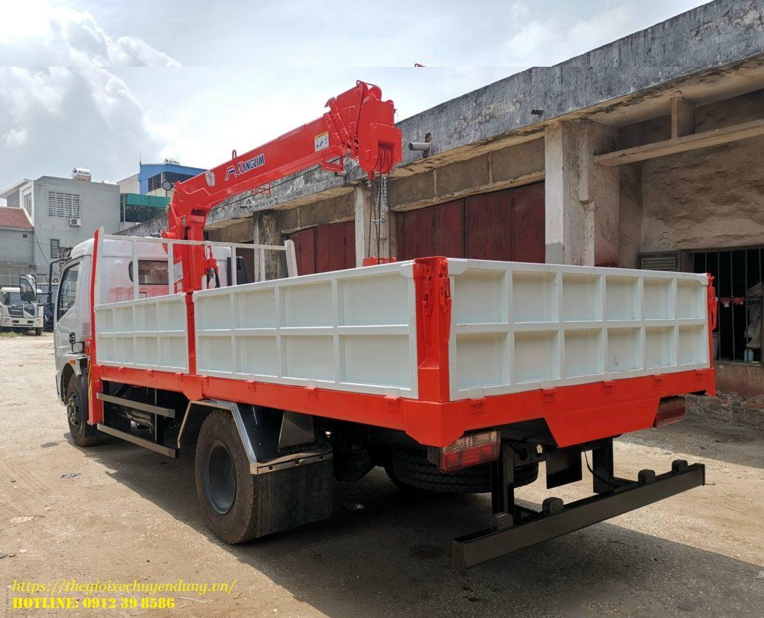 xe tải dongfeng gắn cẩu kanglim