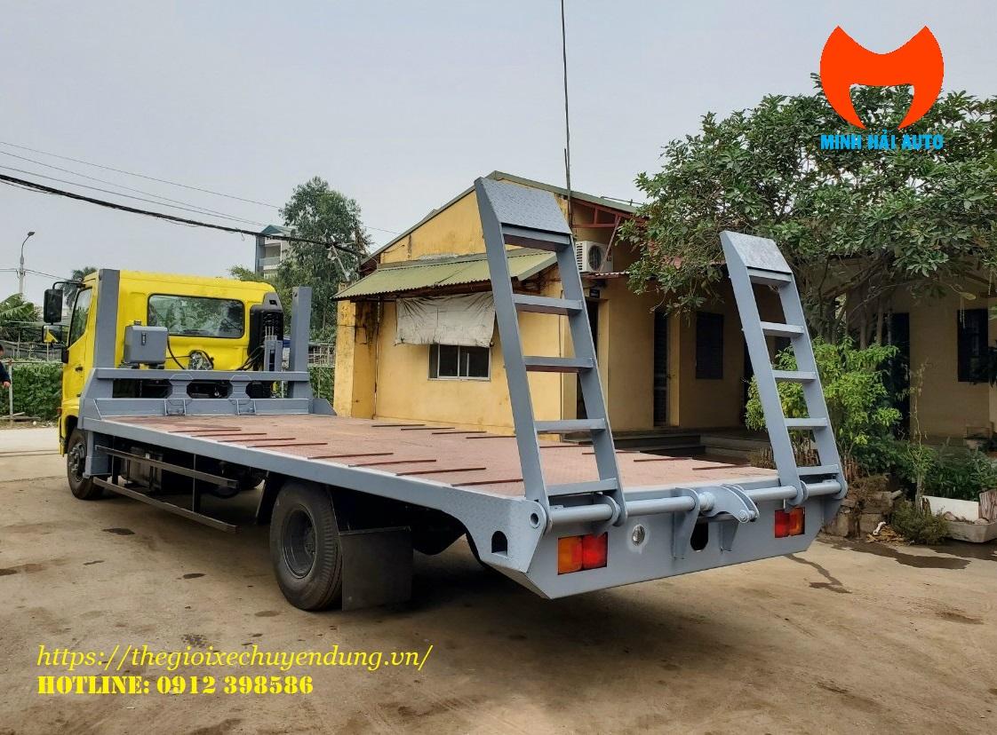 xe phooc chở máy công trình
